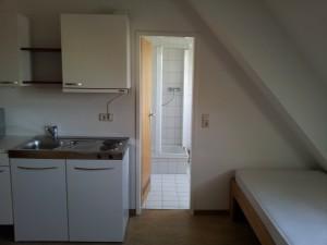 Zimmer-Durchgang Bad