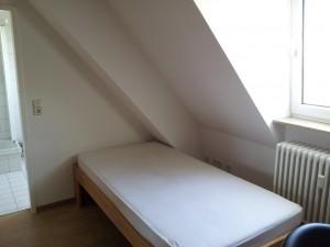 Zimmer-Bett